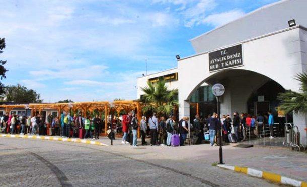 3 Günlük Tatili Fırsat Bilip Yunan Adalarına Akın Ettiller