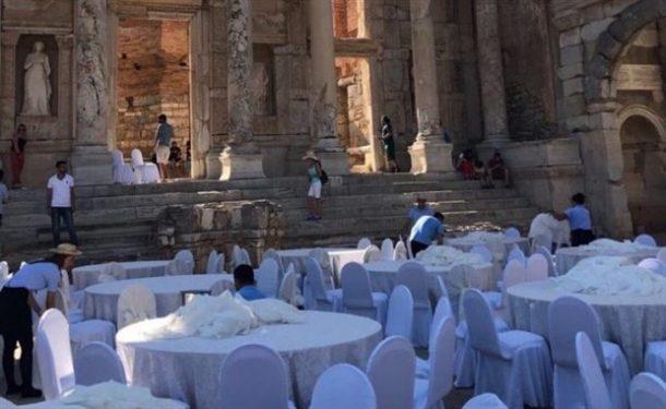Efes Antik Kentinde Sünnet Düğünü İddiası