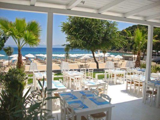 Beach Bar Manassu