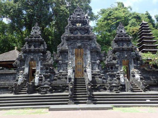 Goa Lawah Tapınağı