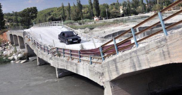Karaçay Köprüsü