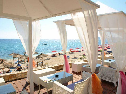Yunanistan'da En İyi 10 Eğlence Mekanı