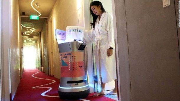 AURA Oda Servisi Robotu