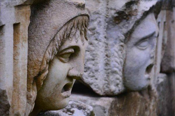 Stratonikeia Antik Kenti'ndeki eserler yenileniyor