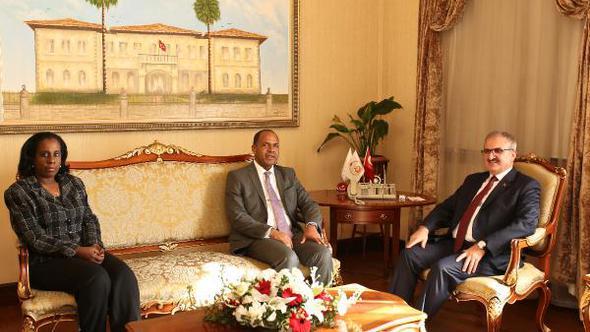 Küba Ankara Büyükelçisi Antalya'da!