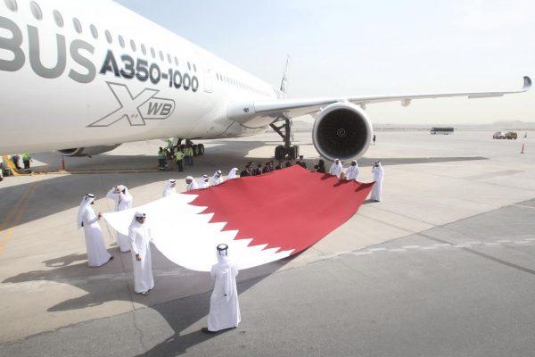 Airbus'ın yeni uçağı A350-1000 Qatar Airways'e teslim edildi