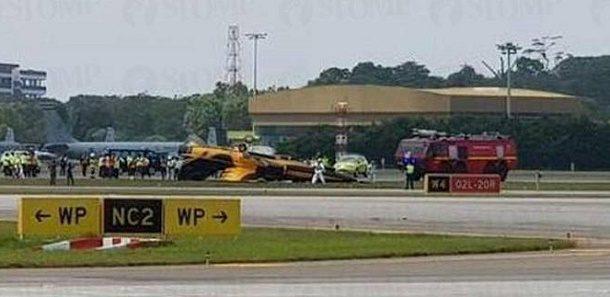 singapur air show ucak kaza yaptı