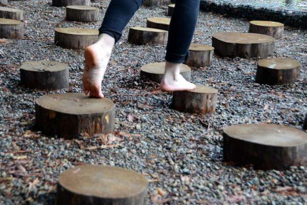 Trabzondaki Yalın Ayak Yolunda corapla yurumek yasak