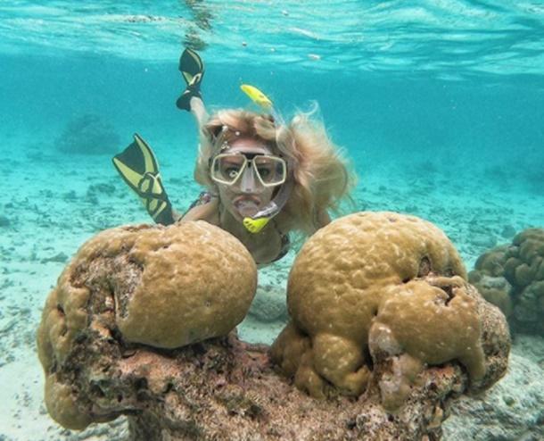 Dilara Öztünç Maldivler tatilinde