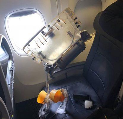American Airlines bebeiin ustune tavan düstu