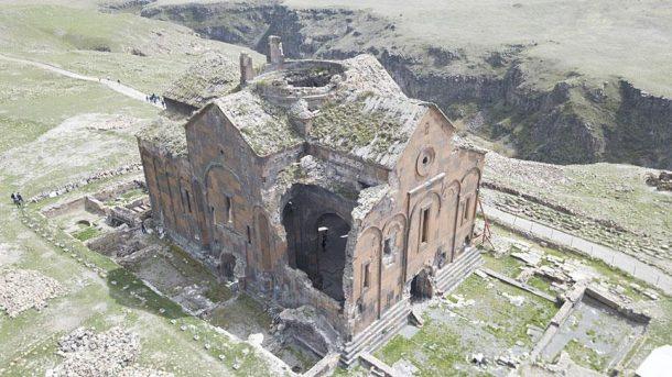 Ani'de bulunan Büyük Kadetral restore edilecek