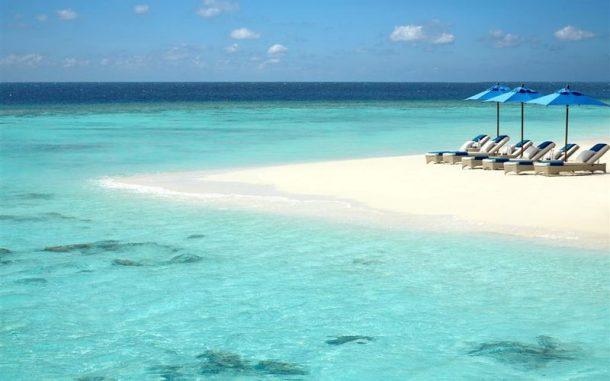 Masmavi denizi ile Maldivler