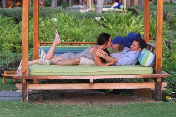 Megan Fox Brian Austin Green Hawaii'de!