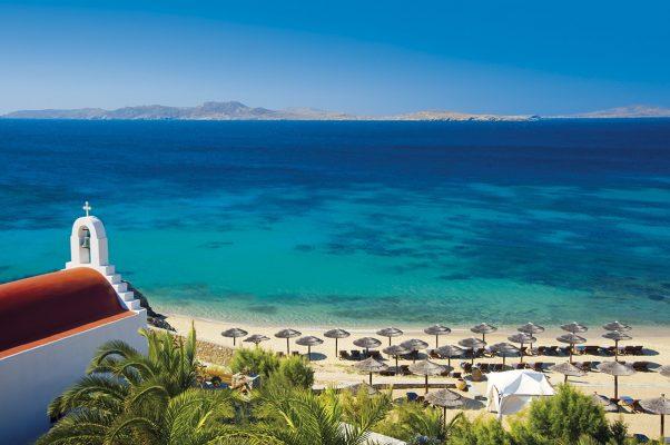 Yunan Adalarının eğlence merkezi Mikonos