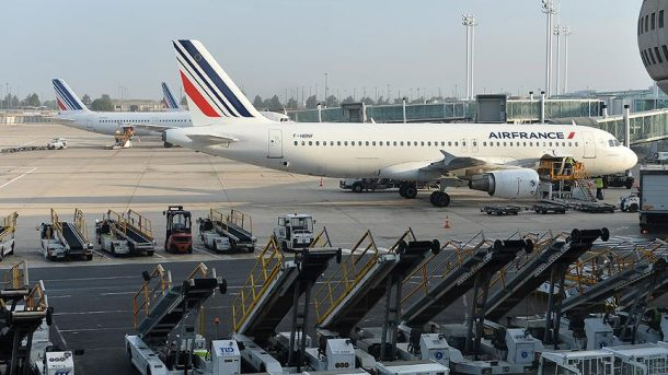 Fransa'daki grev, Air France'ı çıkmaza sürüklüyor