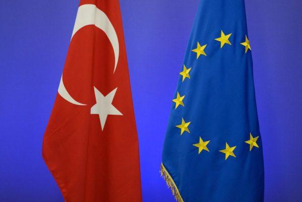 Avrupa'ya vizesiz gitmek için sadece 6 kriter kaldı!