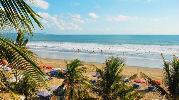 Legian'ın en ünlü plajı ise Legian Beach