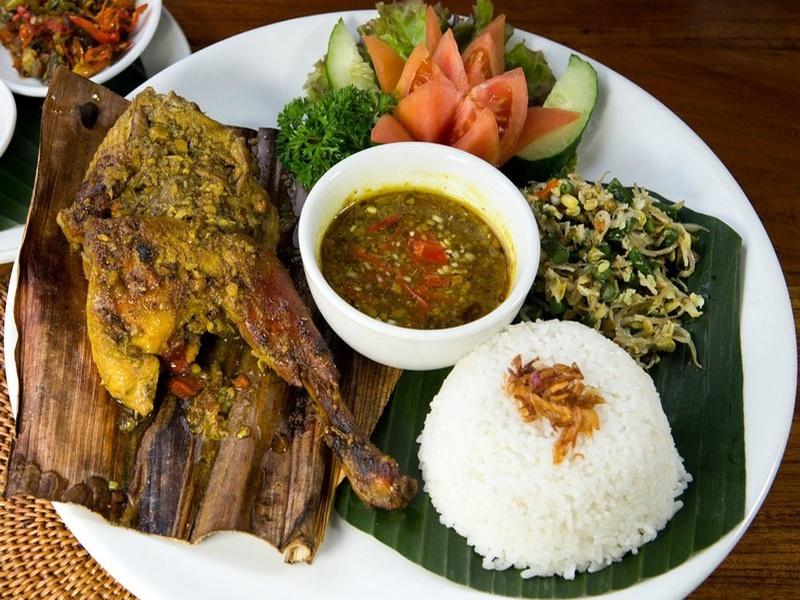 Bali'de balık yenir