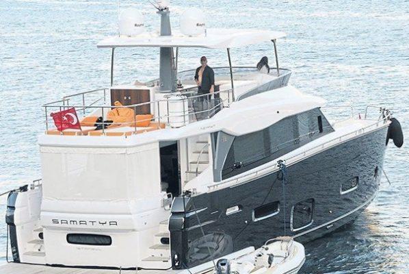 Cem Yılmaz Samatya adlı yatıyla Yunan Adalarına tatile gediyor