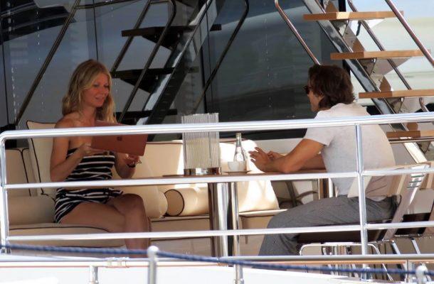 Gwyneth Paltrow ve nişanlısı İtalyan Adaları'nda tatil yapıyor!