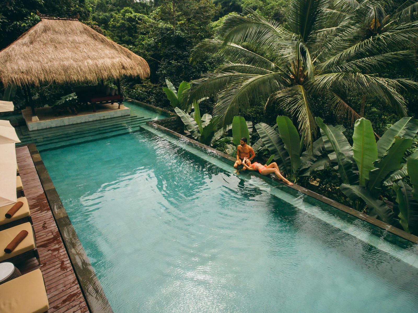 Lüks balayı tatili için Hanging Gardens of Bali