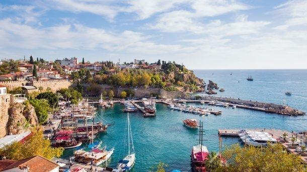Antalya'ya yılın ilk yarısında 4.6 milyon turist geldi