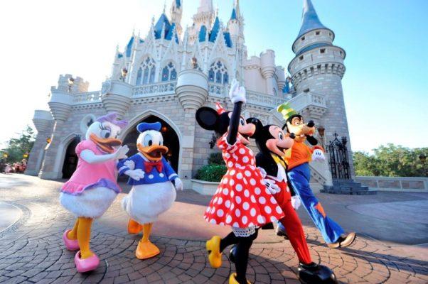 Balayı tatili için Disneyland güzel bir seçenek