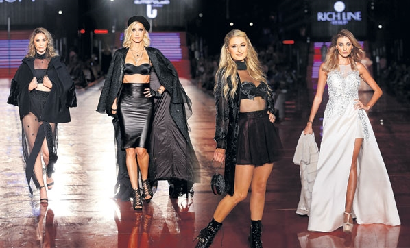Paris Hiltonlu Dosso Dossi Fashion Show Antalya'da
