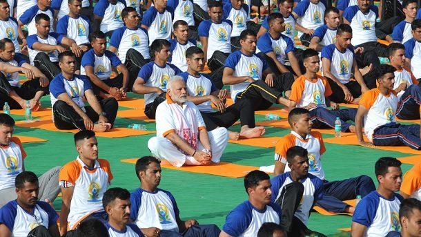 Hindistan Yoga Günü Başbakan Modi de katıldı