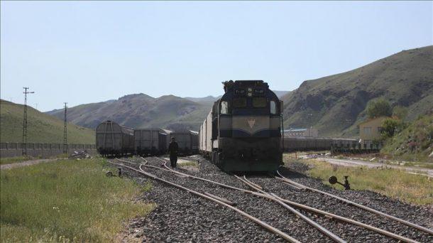 İranlı turistler Van'a artık trenle de gelecek!