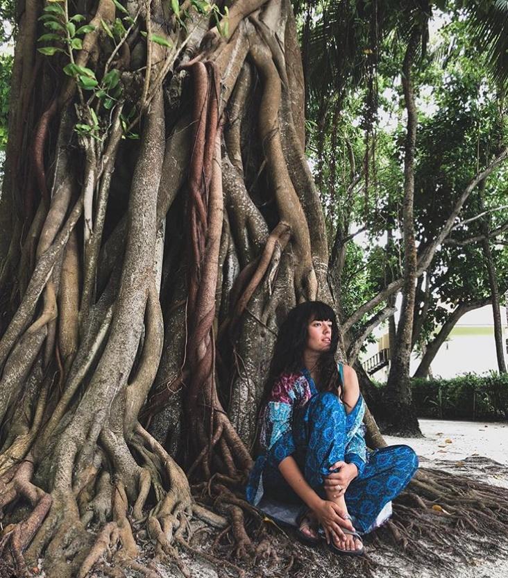 Pelin  Akil  Maldivler tatilinde eşiyle stres atıyor