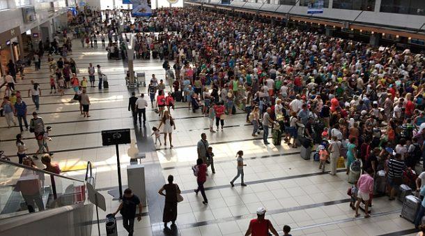 Turist akını, tarifeli uçuşların sayısını arttırdı