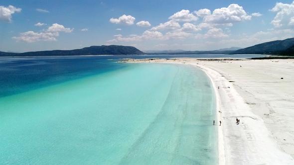 Türkiye'ninnin Maldivleri Salda Gölü 500 bin turist bekliyor