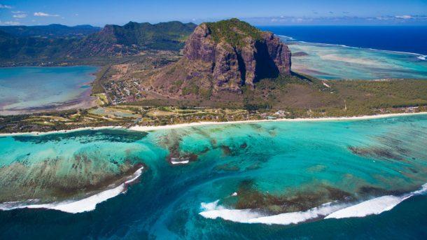 Afrika'nın tatil cenneti Mauritius'un trekking ile ünlü dağı Le Morne Brabant