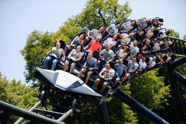 Avrupa'nın en büyük lunapark treni Hyperion ziyaretçilerini büyülüyor