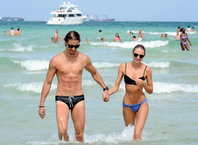 Candice Swanepoel nişanlısı Hermann  Nicoli ile  birlikte tatilde