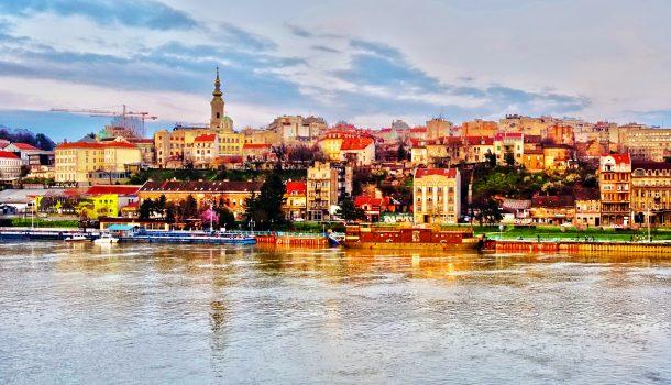 Belgrad Tuna ve Sava nehirlerinin kesiştiği noktadadır