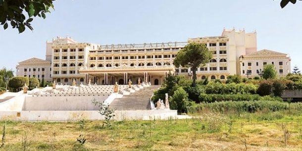 Mardan Palace'ın maaş alamayan personeli otelin eşyalarına el koydu!