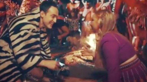 Şarkıcı Ece Seaçkin Güney Afrika'da evlenme teklifi aldı