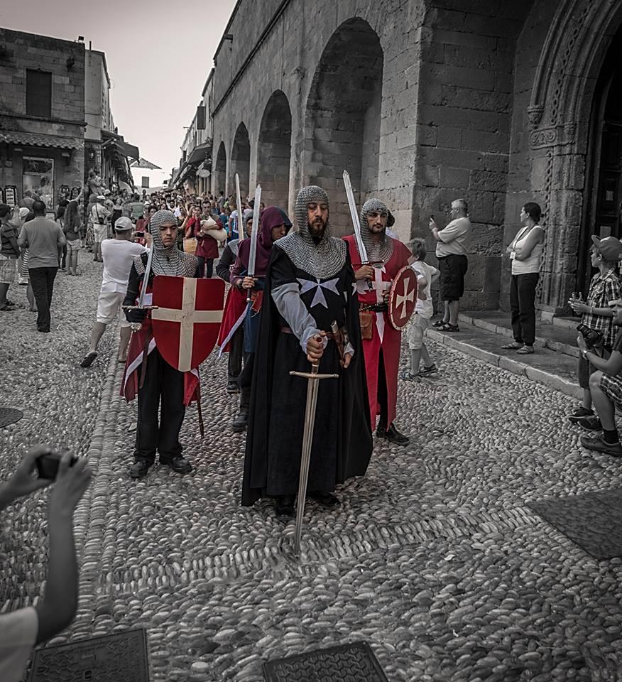 Tarihin içinde kaybolmak isteyenler için Rodos