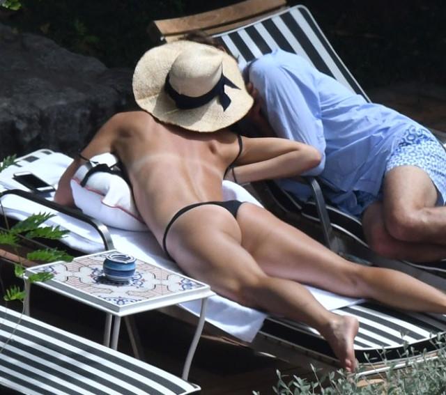 Sharapova ile Gilkas'ın İtalya Plajları'ndaki görünktüleri sosyal medyayı salladı
