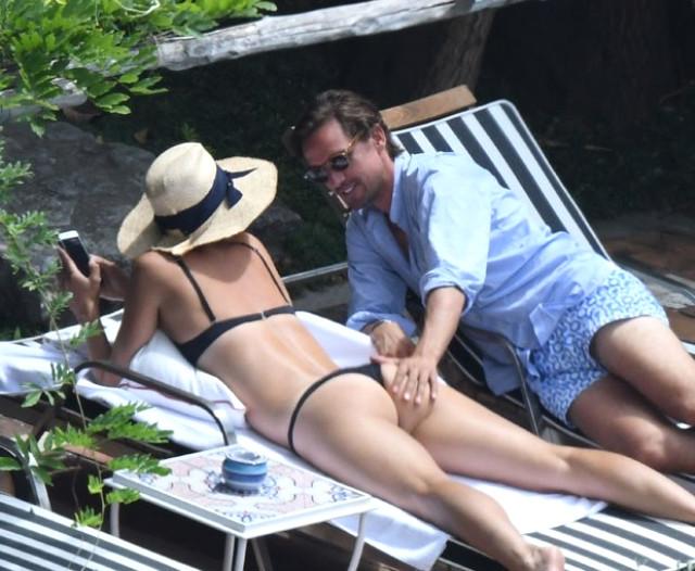 Sharapova ve sevgilisi Alexander Gilkas İtalya Plajlarını salladı!
