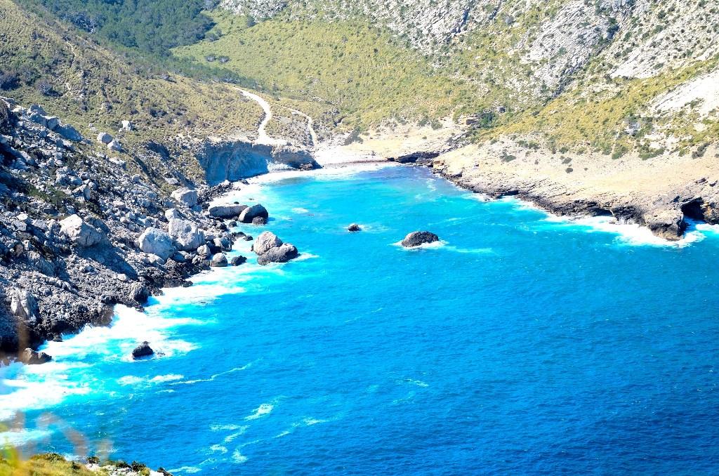 Küçük, zahmetli ama muhteşem: Cala Figuera Plajı
