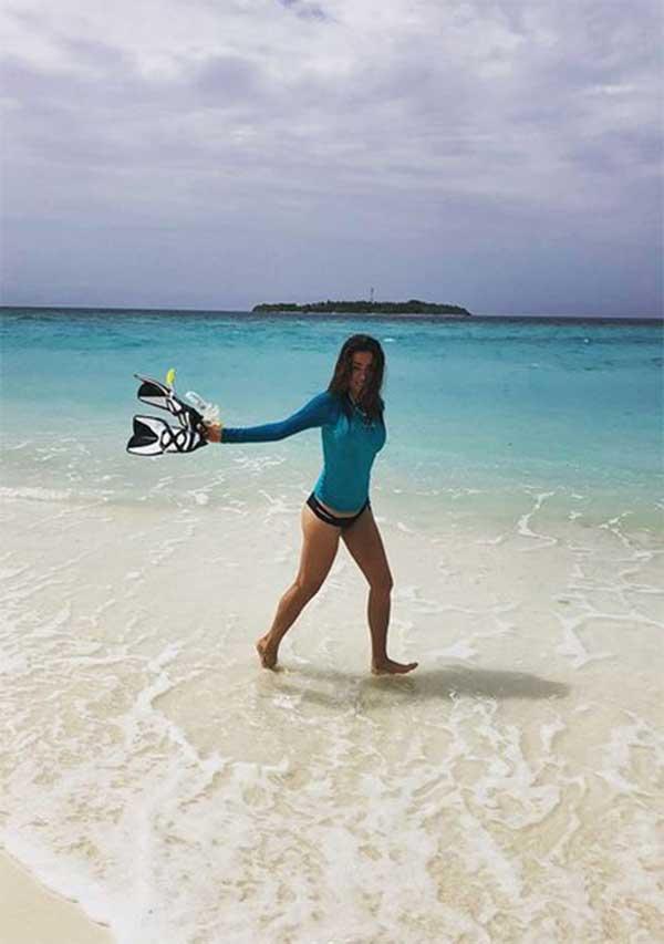 Öykü Çelik Maldivler tatilinde
