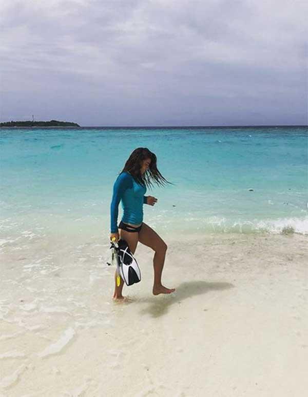 Öykü Çelik Maldivler tatilinde dalış yaptı