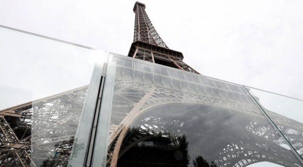 Paris'in simgesi Eyfel Kulesi kurşun geçirmez cam ile çevriliyor!