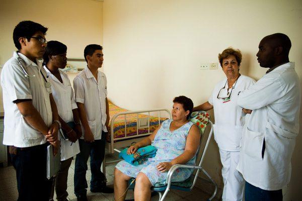 Prof. Dr. Gülümser Heper: Küba'da çoğu hastalık yok!