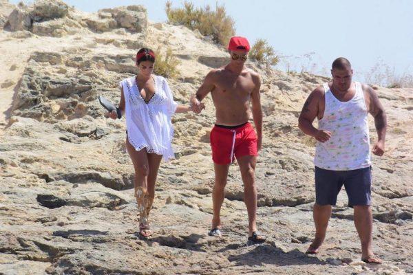 Ronaldo ailesiyle Yunanistan'da tatilde
