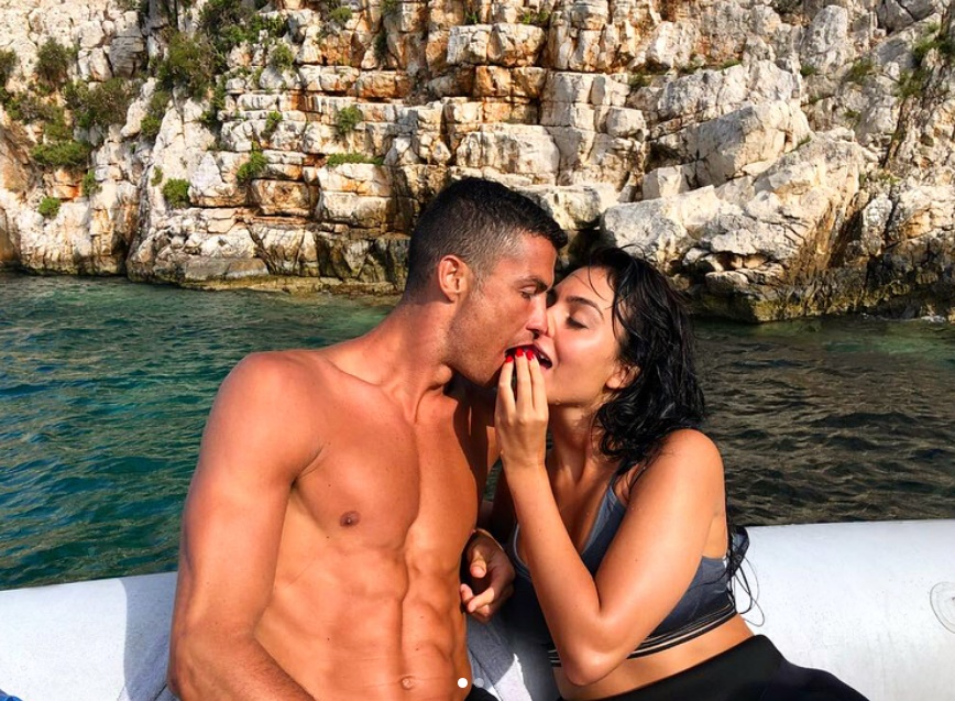 Yunanistan'da tatil yapan Real Madridli Ronaldo, Juventus'a göz kırpıyor