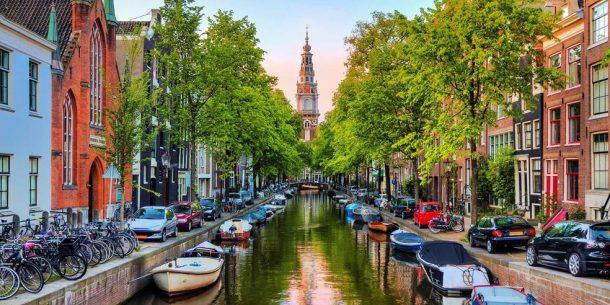 Gece hayatı ile ünlü Amsterdam